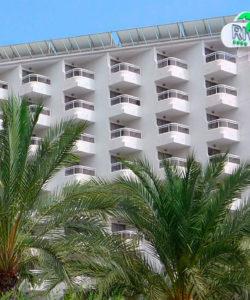 Fachada del Hotel Riviera